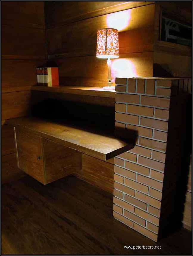 dscn4792 schwartz upstairs desk